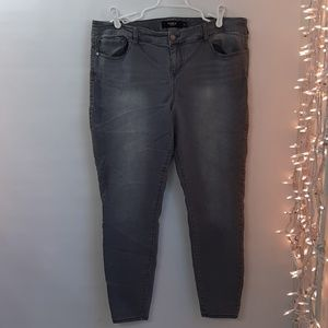 TORRID W40xL29 Plus Size 20T Gray Skinny Jeans